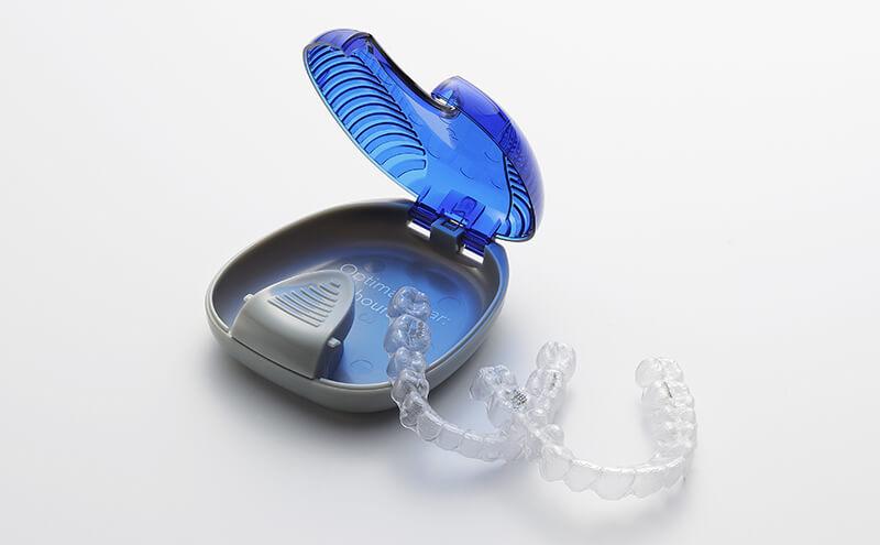 食事や歯磨きへの影響がない、目立たない矯正「インビザライン」